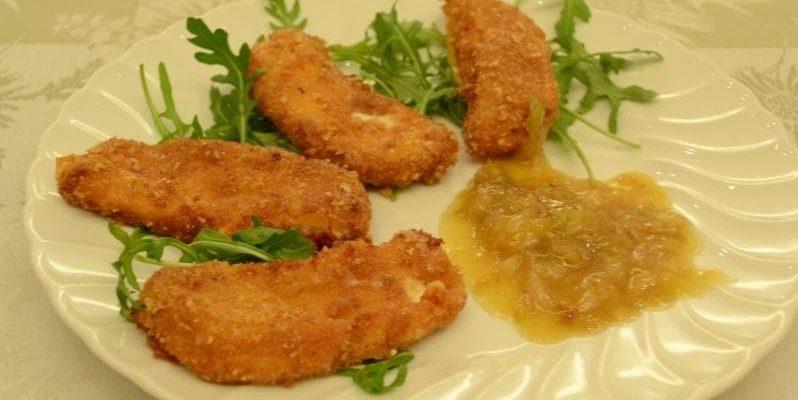 Impanatelle di Marzolino con salsa di scalogno al miele